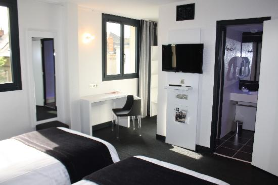 Hotel Le Quercy : HOTEL BRIVE EQUIPEMENT CHAMBRE