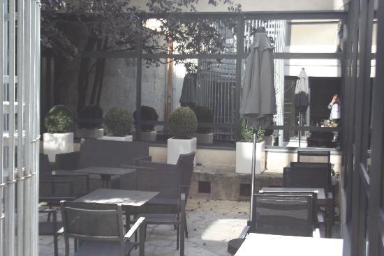 Hotel Le Quercy : HOTEL BRIVE PATIO