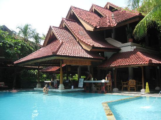 Bounty Hotel Pool