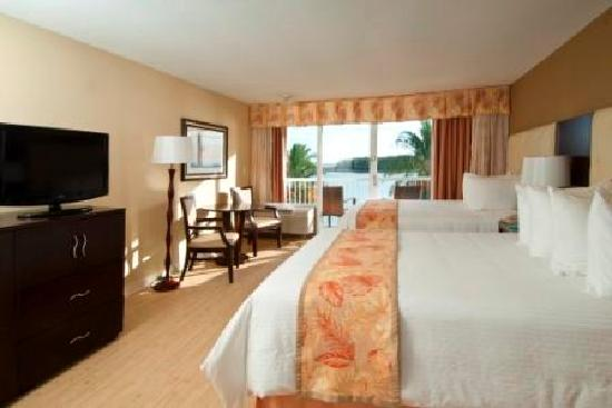 Wyndham Garden Clearwater Beach : 14 inch memory foam mattresses