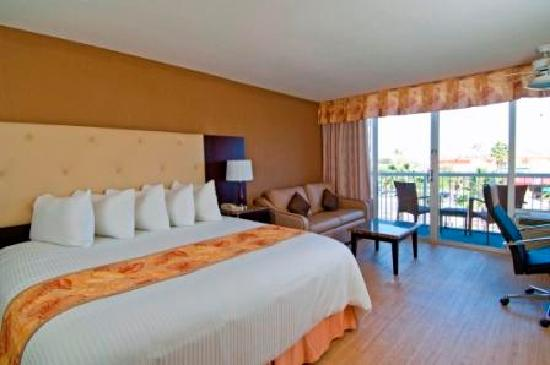 Wyndham Garden Clearwater Beach : Oversized Rooms