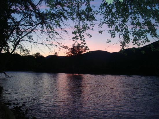 Timberland Campground: Sunsets from the river