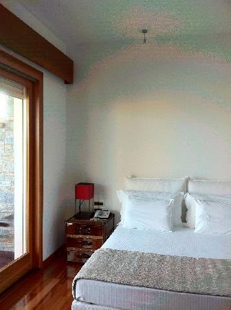 Porto Zante Villas & Spa: comfortable bed, noiseless bedroom