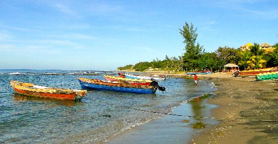 Calabash bay fishing boats picture of treasure beach for Jamaica fishing charters