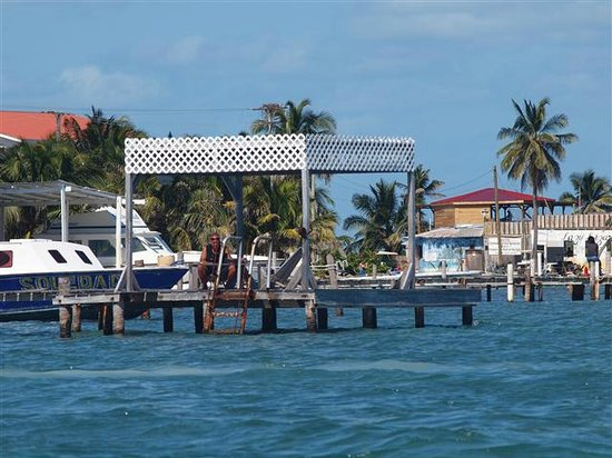 Caye Caulker: Raggamuffin tours dock - they gave us a great experience