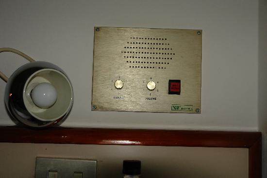 Hotel Califfo : radio in the room :)