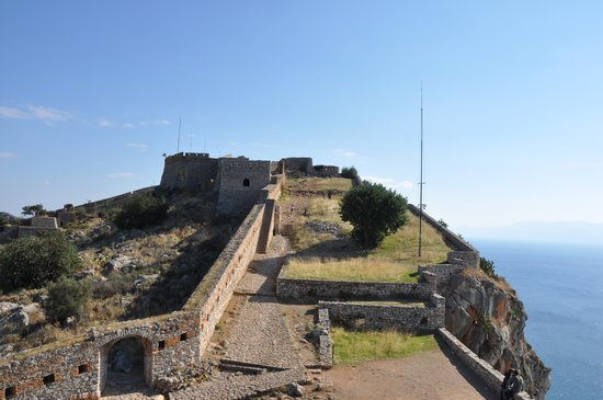 Palamidi Castle: Walking to Medieval streets