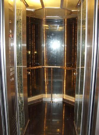 Letoonia Golf Resort: The great glass lift!
