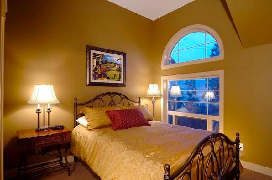 Bellasera: Bedroom
