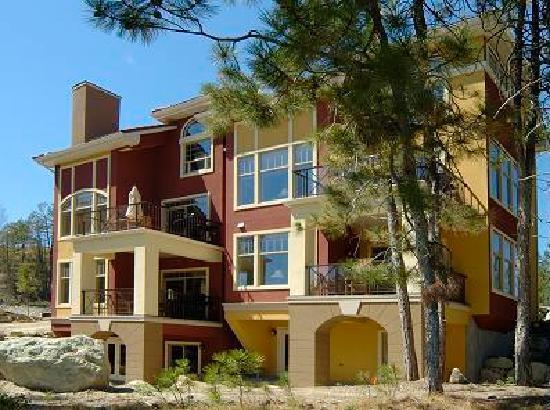 Bellasera: Villa Exterior