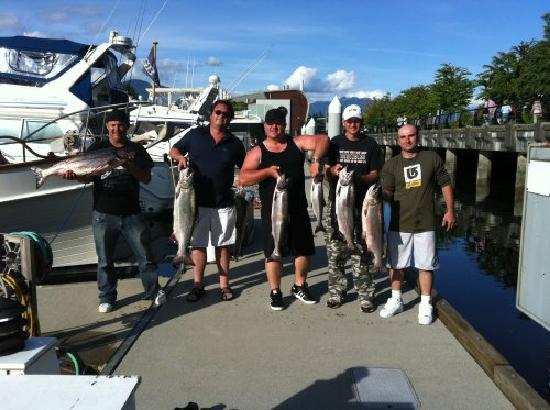 Bites On Salmon Charters: A great day on the water