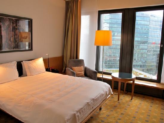 room picture of swissotel berlin berlin tripadvisor. Black Bedroom Furniture Sets. Home Design Ideas
