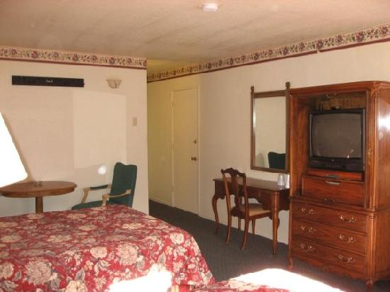 Best Choice Inn South Lake Tahoe: Two Bed Rooms are clean and comfortable!
