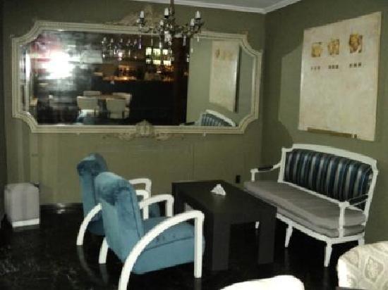 Filippa Cafe: living 2