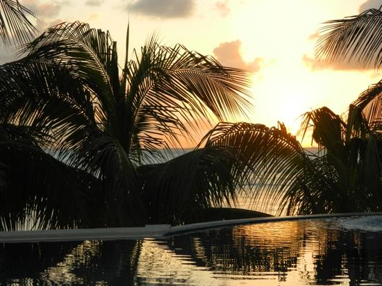 Hotel Secreto: sunset over pool