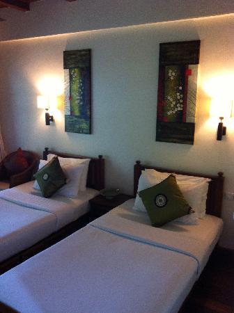 The Lodge: Twin Room