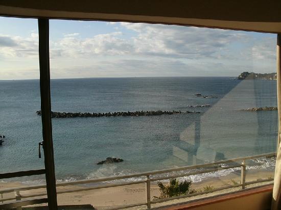 Katsuura Hotel Mikazuki: 窓からの景色