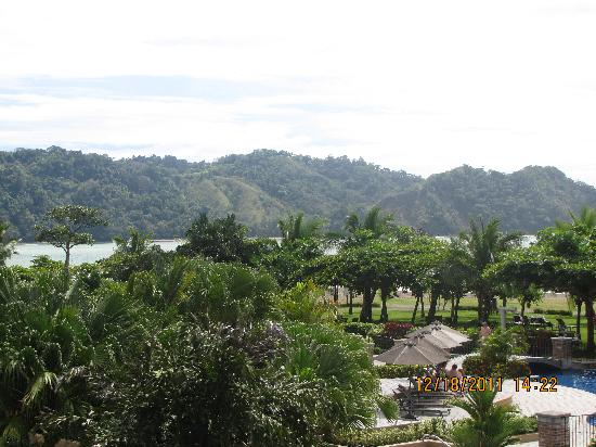 Los Suenos Marriott Ocean & Golf Resort: one view from lobby terrace