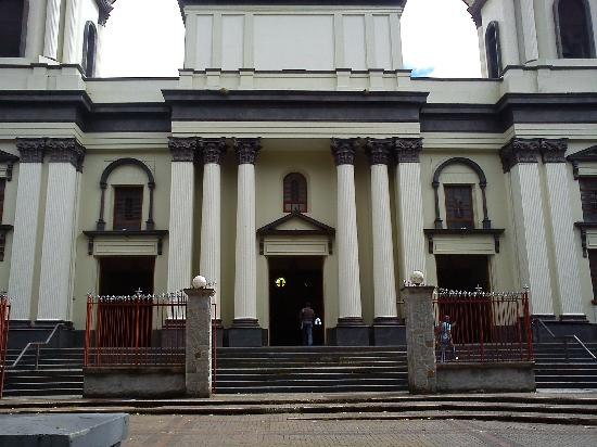 Cathedral: church facade