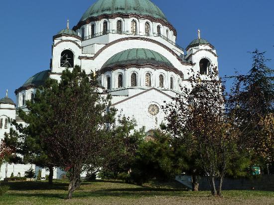 St. Sava Temple (Hram Svetog Save): Exterior