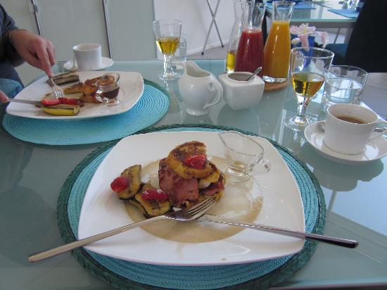 Breakfast on the Beach Lodge: Delicious food