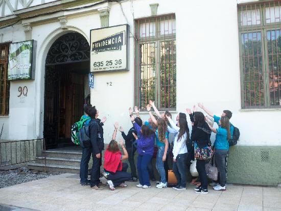 Hostal Providencia: En la entrada de la hostal.. el último día :)