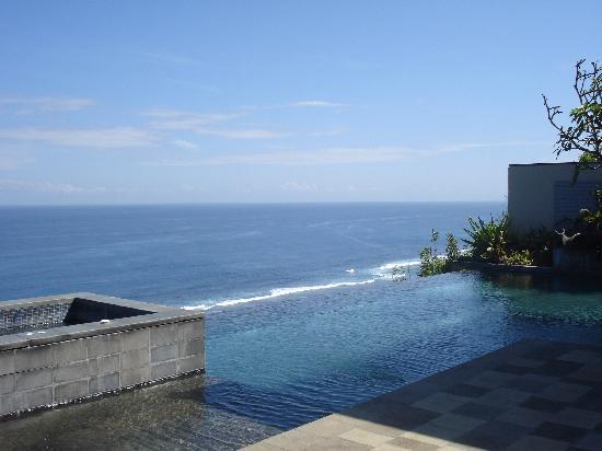 Banyan Tree Ungasan, Bali: villa pool