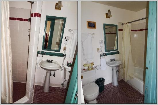 Hood River Hotel: Two Bathrooms