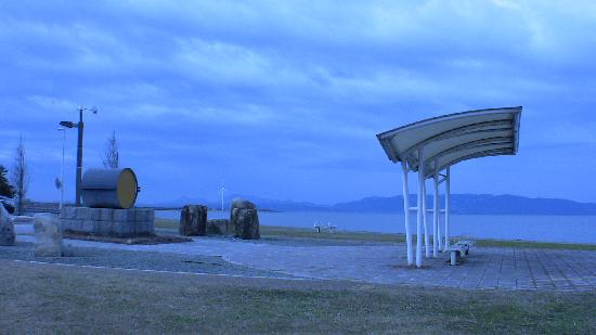 Nakaumi Sea: Along the jogging path, Yasugi.