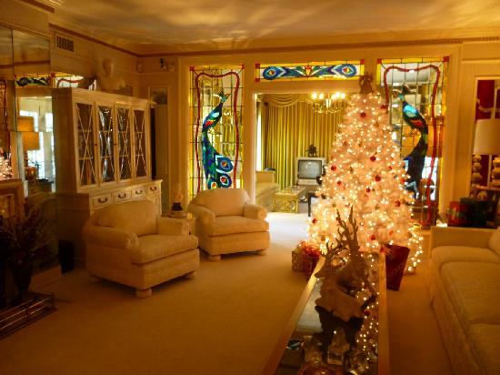 Graceland: Elvis' living room