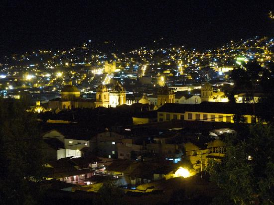 Encantada Casa Boutique Spa: View of Cusco from our balcony at night