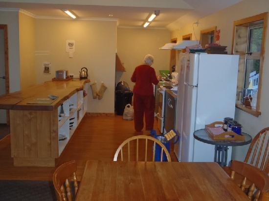 Aoraki Mount Cook Alpine Lodge : Kitchen