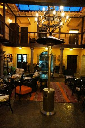 Tierra Viva Cusco Plaza: First floor