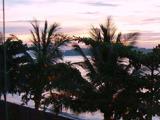 Queenco Hotel & Casino: View of Victory Beach Sunset from Mini-Suite