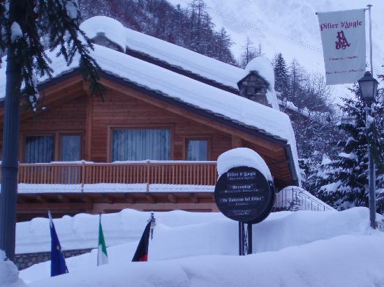 بيلير دو إنجيل: in una notte di nevicata