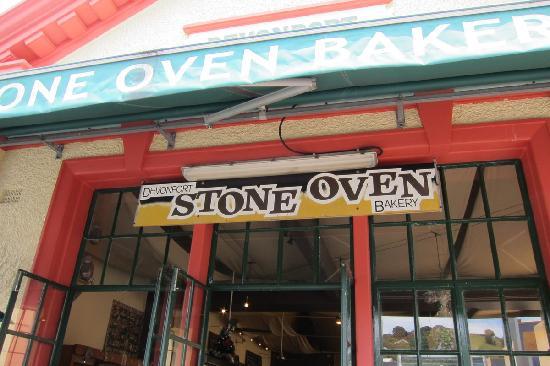 Devonport Stone Oven Bakery & Cafe: front of restaurant