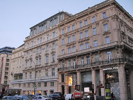 Hotel Ambassador: Hotel gegen den Neuen Markt