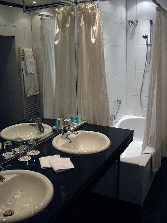 Hotel Ambassador: Zimmer 305