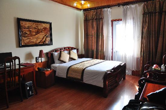 ฮานอย สไตล์ โฮเต็ล: The double bed deluxe room with balcony that we stayed