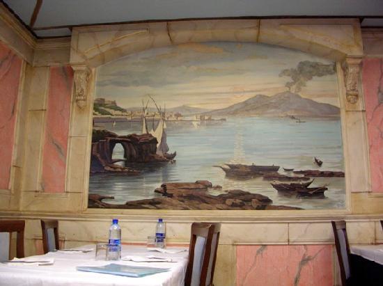 Murales foto di ristorante pizzeria vesuvio 2 l 39 aquila for Ristorante murales milano