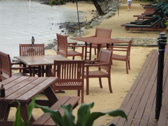 แองเคอเรจบีชรีสอร์ท: outdoor dining