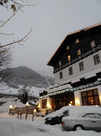 Sankt Anton am Arlberg, Østrig: Front of the hotel