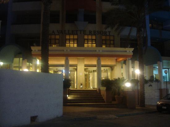 Burlington Apartments: La Valleta Resort