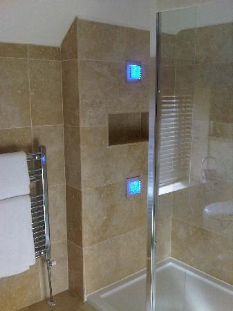 Aaron Lodge : Bathroom