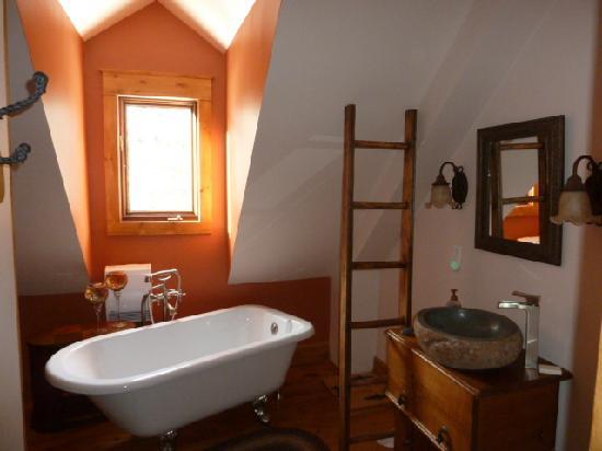 Auberge du P'tit Paradis: Bathroom