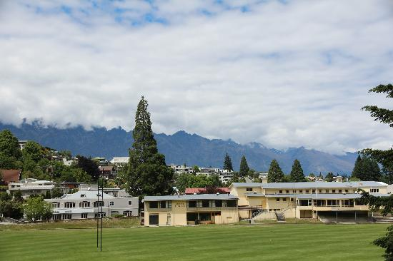 Queenstown Park Boutique Hotel: Outside View