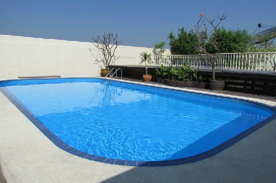 The Victory Executive Residence: Victory swimming pool