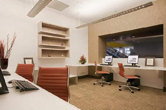 Hilton San Jose: Complimentary Business Center