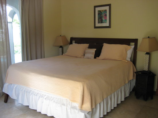 Meads Bay Beach Villas : Bedroom 2
