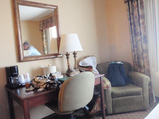 Grand Plaza Hotel Branson: room